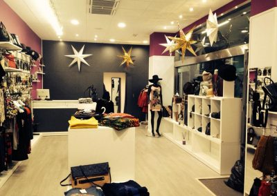 Instalación eléctrica y mantenimiento tienda de moda (Cuenca)